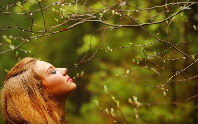 15672-girl-smelling-the-nature-1280x800-girl-wallpaper