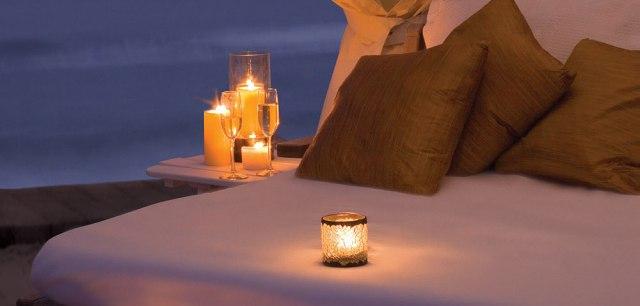 Photo http://imgarcade.com/1/romantic-candlelit-room/