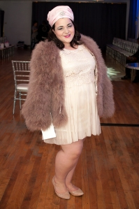 Blogger Karen of Your Big Sister's Closet @bigsiscloset and Curvy Canadian @curvycdn