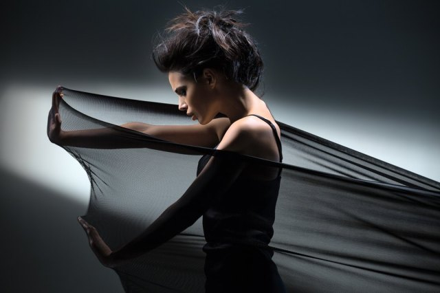 girl-pulling-fabric
